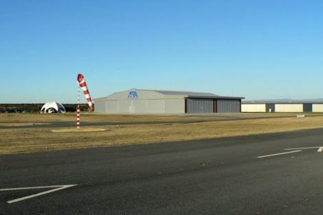 Vista del hangar del aeródromo de Marugán.   Foto: AirMarugán