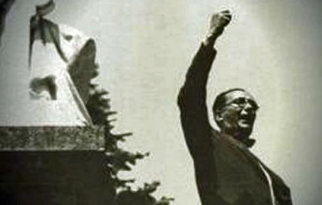 Castelao, que se volcó en la campaña por el Estatuto, en uno de sus mítines.