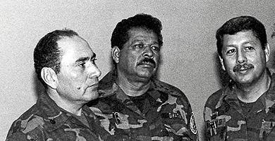 Tres de los ex coroneles del Estado Mayor reclamados por la justicia  española. 017b9080dc3
