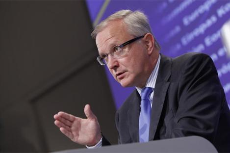Olli Rehn, comisario de Asuntos Económicos de la UE, durante su intervención en Bruselas. | AP