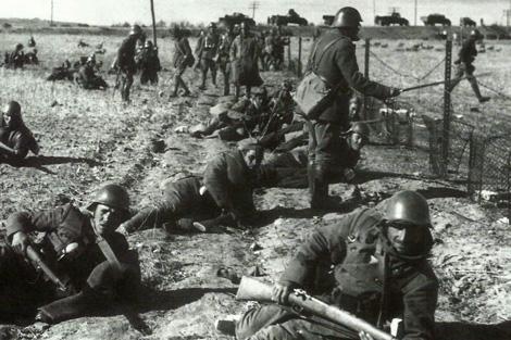 Tropas 'nacionales' en el frente de Aragón, en 1938. | Efe