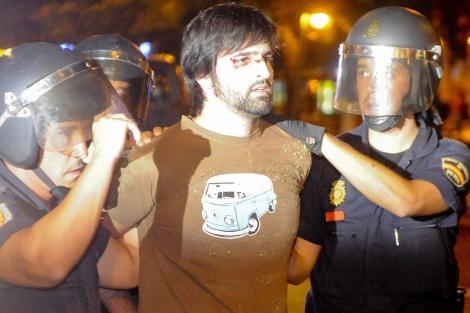 Gorka Ramos es detenido por la Policía. | G. Arroyo