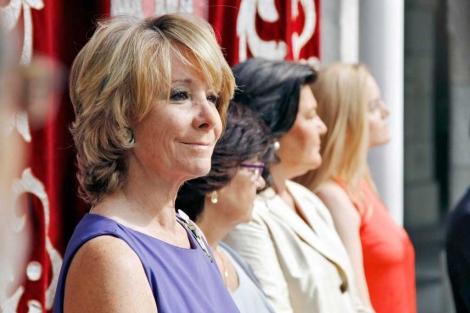 Esperanza Aguirre en la toma de posesión de Regina Otaola en julio.   madrid.org