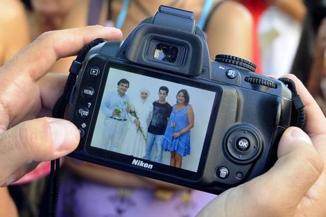 Imagen de los novios tras la boda. | Nacho Alcalá