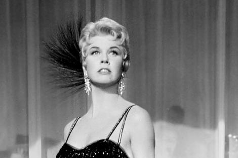 La actriz en un fotograma de la pelicula 'Love me or leave Me', de 1955