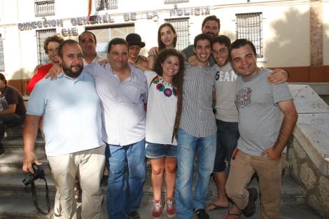 Bouziane con miembros del 15-M y con su abogado. | Antonio Pastor