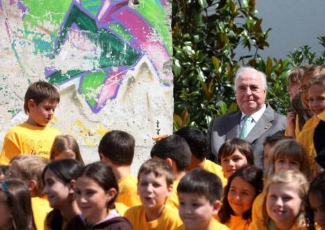 Helmut Kohl recuerda el 50 aniversario del muro de Berlín. | Reuters