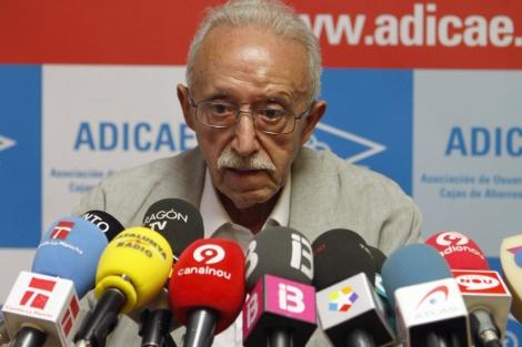 El presidente de Adicae, Manuel Pardos, durante la rueda de prensa. | Efe