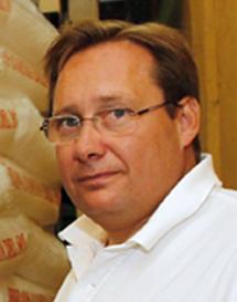 Manuel Bustos, presidente de Hicosol