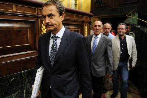 El Presidente José Luis Rodríguez Zapatero, en el pleno del Congreso.| Bernardo Díaz
