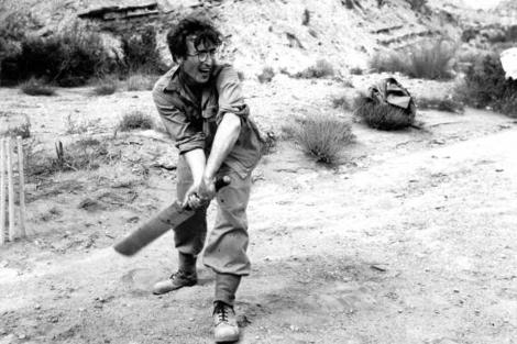 John Lennon jugando al criquet en Almería. | El Mundo.