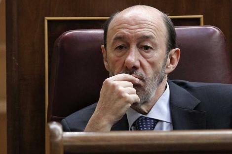 El candidato socialista, Alfredo Pérez Rubalcaba, en el Congreso.   Chema Moya   Efe