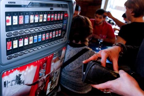 Máquina expendedora de tabaco | Juaky García