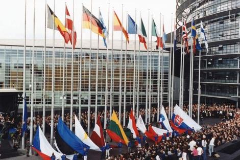 Fachada de la sede el Parlamento Europeo en Bruselas. | EM