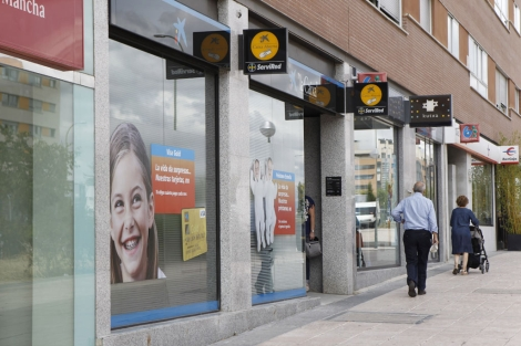 Calle de Madrid donde se acumulan sucursales financieras. | Sergio Gonzalez