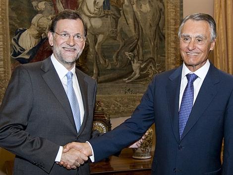 El presidente portugués Cavaco Silva recibe a Rajoy en Lisboa.   Tarek