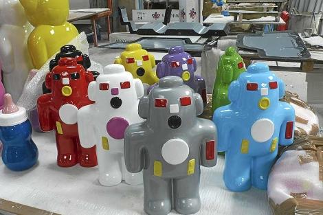 Una tribu de robots   NOÉ DE MORA