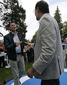 Feijóo y Rajoy se dan el relevo. | R. G.