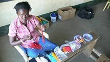 Una trabajadora de la cooperativa. | J.P