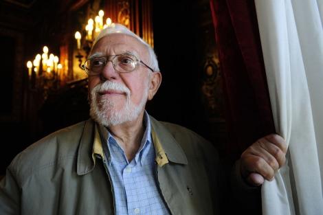 El padre Batomeu Melià en una sala de la Casa América. | Bernardo Díaz