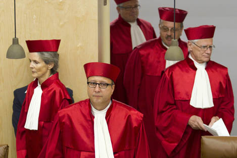 Jueces del Tribuna Constitucional alemán. Alex Domanski