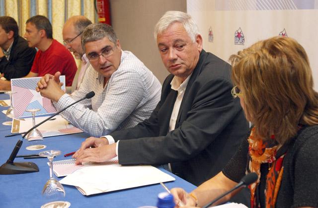 Carlos Aymerich y Guillerme Vázquez, durante el Consello Nacional. | Efe