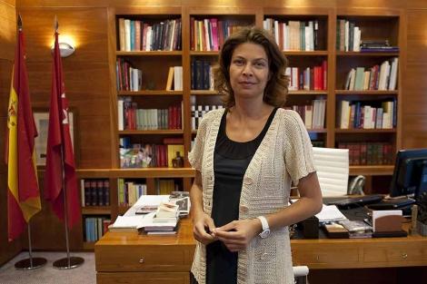 La Consejera de Educación de Madrid, en su despacho. | Bernardo Díaz