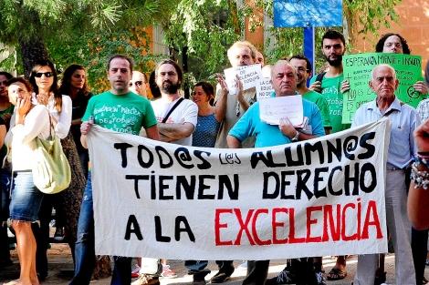 Protesta de docentes en el centro San Mateo. | Gonzalo Arroyo