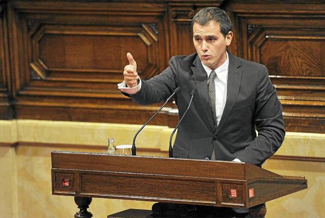 El presidente de C's, Albert Rivera, en el Parlament. | Santi Cogolludo