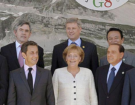 Sarkozy, Merkel y Berlusconi, en una cumbre del G-8 en L'Aquila (Italia). | Efe