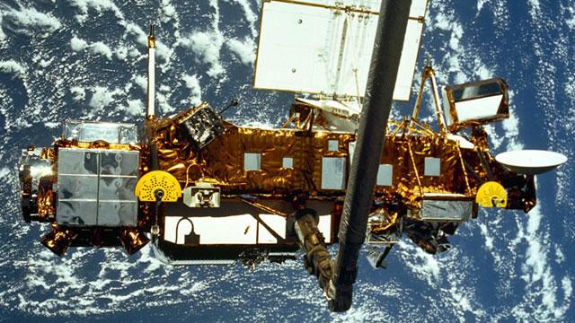 El satélite UARS, en órbita sobre la Tierra. | NASA