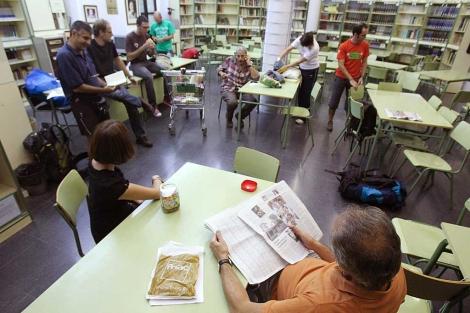Profesores encerrados en el Instituto Juan de la Cierva. | Efe