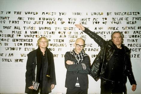 Mike Mills, Michael Stipe y Peter Buck, integrantes de R.E.M. | MÁS IMÁGENES