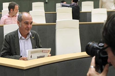 El diputado general de Gipuzkoa, Martin Garitano, en el pleno de las Juntas Generales.   Efe