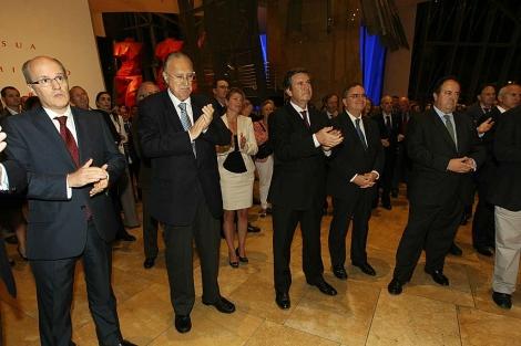 Empresarios vascos y franceses se reúnen en el Guggenheim.   Mitxi