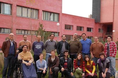 Los participantes en el proyecto 'FlashBacter' de la Pablo de Olavide. | E.M.