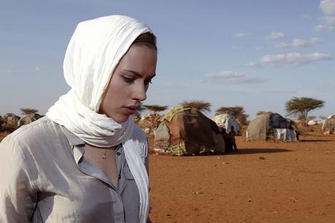 Scarlett Johansson, en una visita a un campo de refugiados en Kenia organizada por Oxfam.