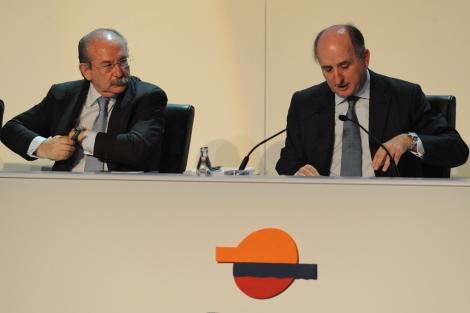 Junta de Repsol. En la imagen Luis del Rivero y Antoni Brufau.   J. M. Cadenas