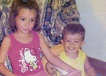 Ruth, de 6 años, y José, de 2 años.