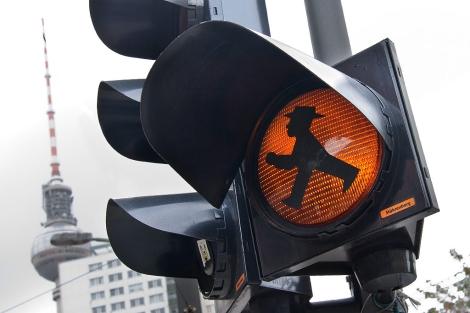 El simpático hombrecillo con sombrero en un semáforo de Berlín. | Gabriel Morales
