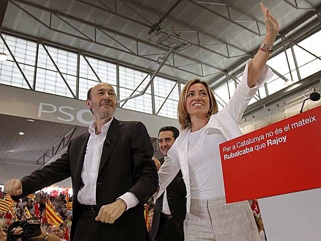 Rubalcaba, acompañado de Chacón en el mitin de Sabadell (Barcelona). | Efe/Susana Sáenz