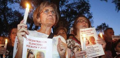 Concentración en Córdoba en apoyo de los niños desaparecidos. | Efe