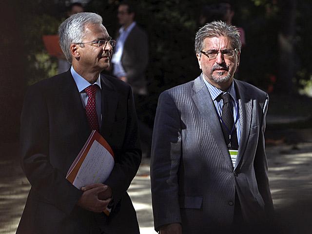 Carlos Totorika y Jesús Eguiguren en San Sebastián. | Efe