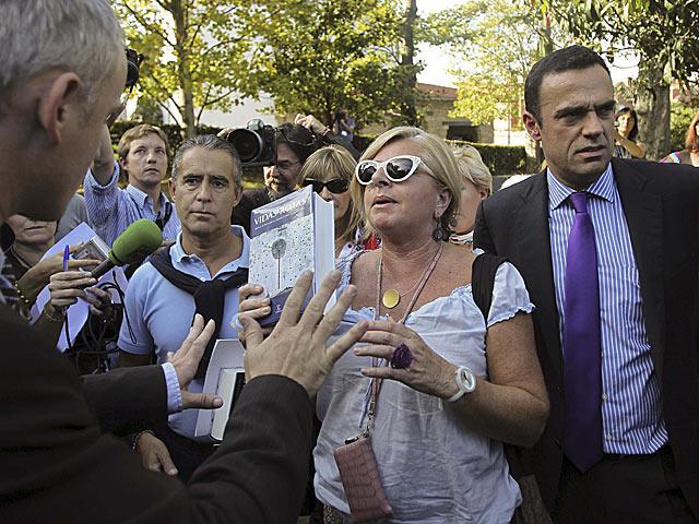Los miembros de Covite (d-i) Jorge Mota, Consuelo Ordóñez y Rubén Múgica. | Reuters