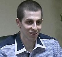 El soldado, durante la entrevista.
