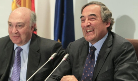El presidente de la CEOE, Juan Rosell (derecha), y el secretario general, Jose María Lacasa.   Efe