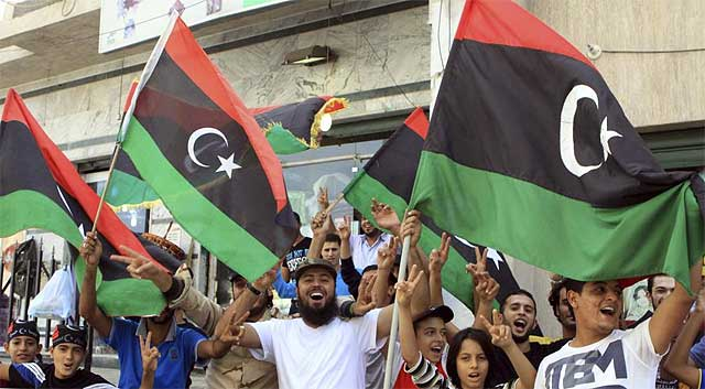 Celebraciones en Sirte tras la muerte de Gadafi.  Efe