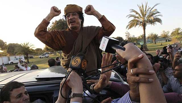 Gadafi, en Trípoli, antes de la toma de la ciudad.| Efe