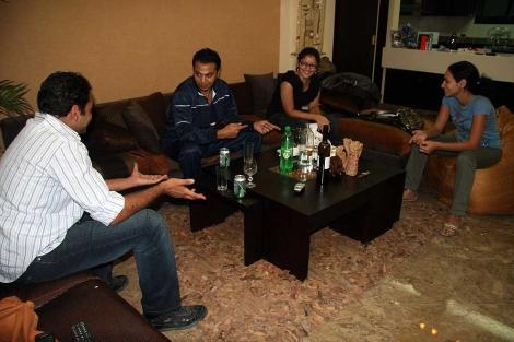 Imagen del encuentro con el grupo de coptos.| F. Carrión.