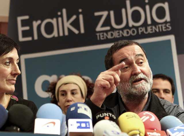 Iñaki Antugüedad, en un momento de la rueda de prensa de Amaiur. | Efe